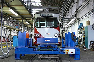 Customised lifting systems Railway Technology
